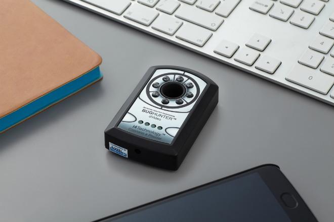 """Детектор """"BugHunter Dvideo"""" — компактный автономный прибор для обнаружения скрытых устройств видеошпионажа"""
