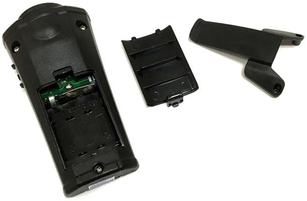 Отпугиватель с открытым батарейным отсеком