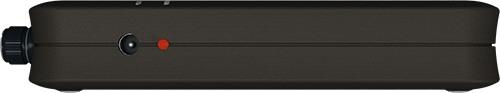 """Правая боковая сторона устройства для подавления любых микрофонов """"BugHunter DAudio bda-2 Voices"""":  светодиод контроля  зарядки и разъем для зарядного устройства"""