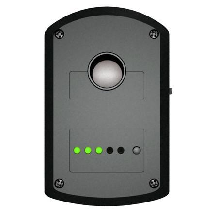 """Задняя панель """"BugHunter Dvideo"""": вверху находится экран объектива, ниже - светодиодные индикаторы режима работы и уровня зарядки аккумулятора. Справа от светодиодов - кнопка вкл./выкл., переключения режимов работы"""